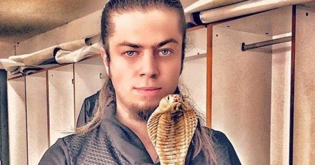 Aref Ghafour'ı kobra yılanı soktu!