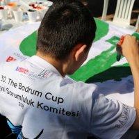 200 yatın yarış bayrakları Bodrum Engelliler Sağlık Vakfı'nın özel öğrencilerinden