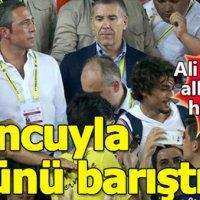 Ali Koç taraftar ile futbolcu arasında köprü oldu