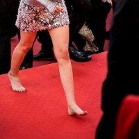 Cannes'da topuklu ayakkabı protestosu