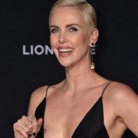 Charlize Theron'dan 1 milyon dolarlık bağış