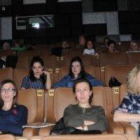 Diziyi sinema salonunda seyrettiler