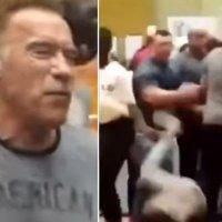 Arnold'a uçan tekmeli saldırı