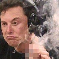 Elon Musk canlı yayında esrar içti!