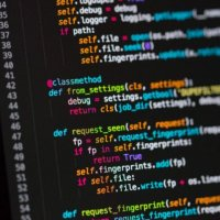 En popüler programlama dili Python oldu