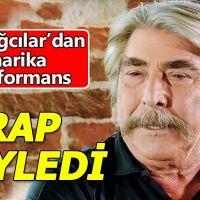 Erdal Özyağcılar'ın rap şarkısı söylemesi