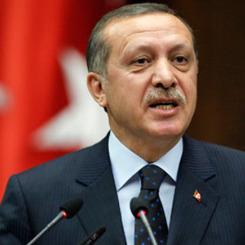 Erdoğan'ı hem Başbakan hem Cumhurbaşkanı ilan etti