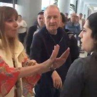 Havalimanı görevlisine hakaret eden kadın