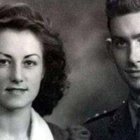 İkinci Dünya Savaşı'nda tanışan çift, 5 saat arayla hayata veda etti