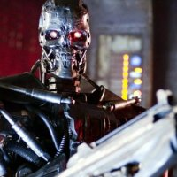 Katil robotlar insanlara muhtaç