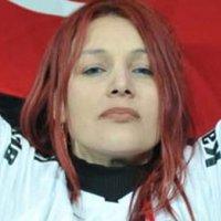 Kızıl saçlı kadın kim?
