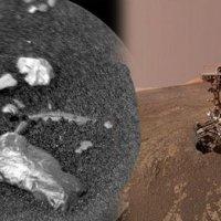 Mars'ta yüzeyinde parlak cisim!