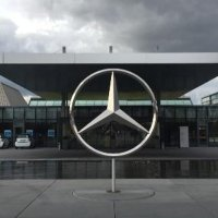 Mercedes-Benz o ülkedeki fabrikasını kapatıyor!