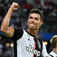 Ronaldo'nun Instagram'ına servet önerdiler!