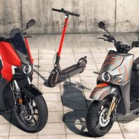 Seat elektrikli motosiklet ve scooter tanıttı