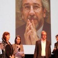 Sınır Tanımayan Gazeteciler'den Can Dündar'a ödül