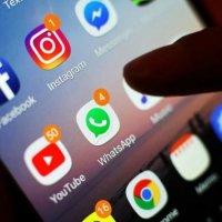 Sosyal medyada vakit geçiren kocaya boşanma davası