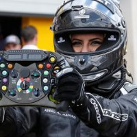 Suudi Arabistan'ın ilk kadın F1 pilotu piste çıktı