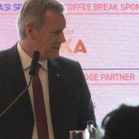 TÜSİAD'ın konferansında çevirmen kriz!