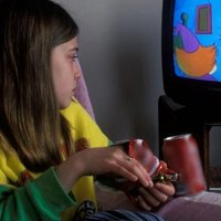 Televizyon izlemek diş çürüğü oluşumunu artırıyor
