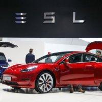 Tesla, araç sahiplerine sigorta satmaya başlıyor
