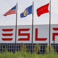 Tesla'nın güneş panelleri alev aldı