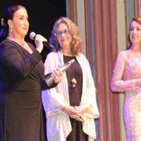 Uçan Süpürge'de Perran Kutman'a ödül