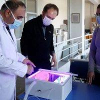 Ultraviyole ışınlarla havayı temizleyen solunum cihazı