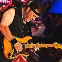 Ünlü gitarist Asım Can Gündüz hayatını kaybetti