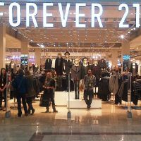 Ünlü giyim markası 100 mağazasını kapatıyor