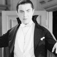 Vampir sandıkları 8 kişiyi linç ettiler
