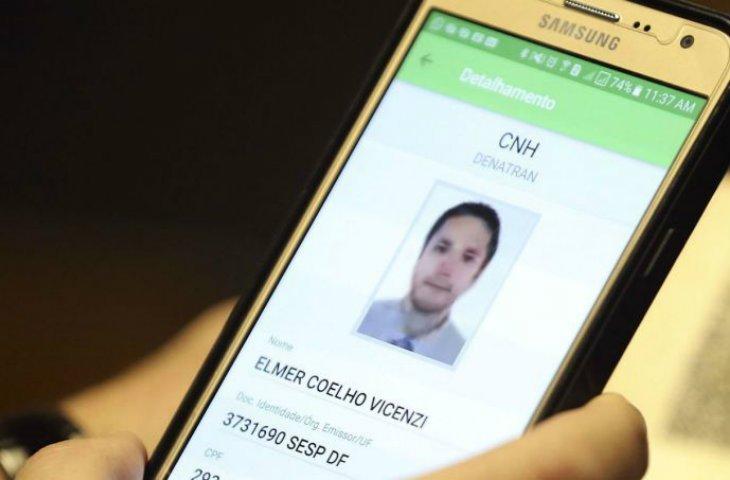 Brezilya dijital ehliyeti erteledi