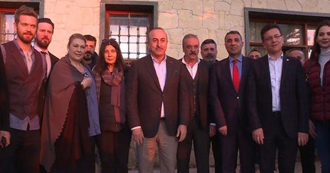 Çavuşoğlu, dizi setini ziyaret etti