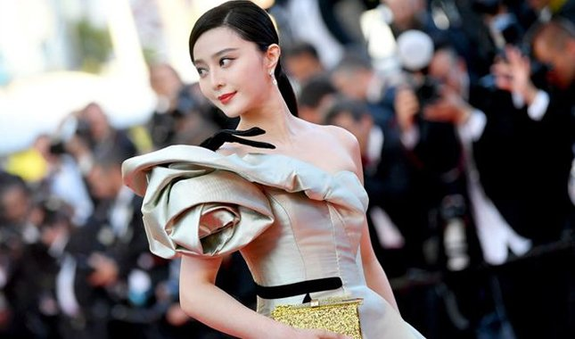 Çinli Fan Bingbing'e 130 milyon dolar ceza geldi