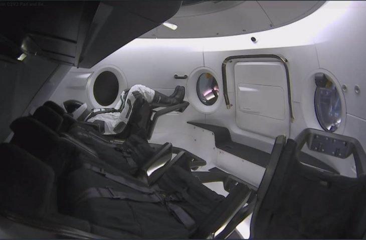 CrewDragon ilk test uçuşunu gerçekleştirdi