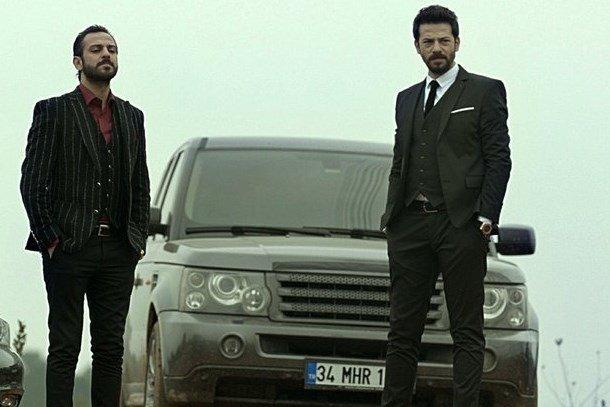 Çukur'un ünlü oyuncusuna taksici saldırdı!