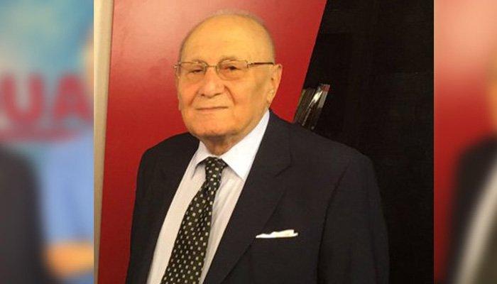 Cumhuriyet eski yazarı hayatını kaybetti
