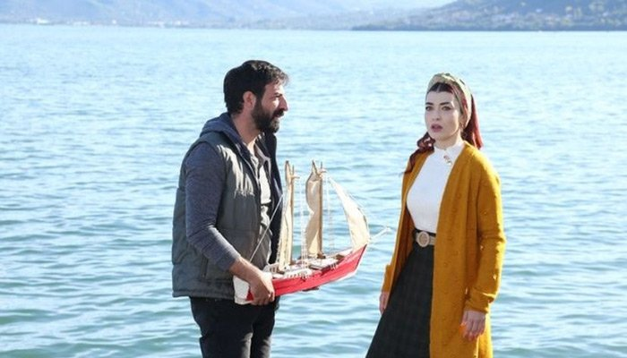 Fenomen dizi Ceren Özdemir'i unutmadı...
