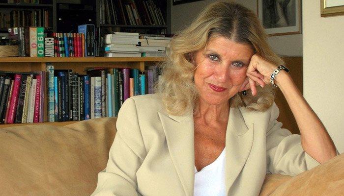 Gazeteci-yazar Zeynep Oral söyleşi ve kitap imza günü