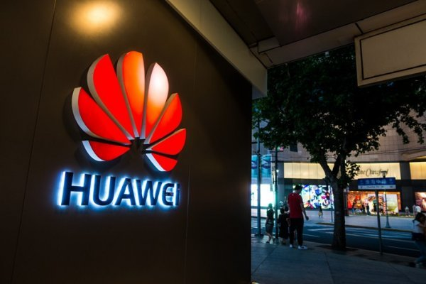 Huawei, ABD teknolojisine bağlı olmamak için Ruslar'a yöneldi