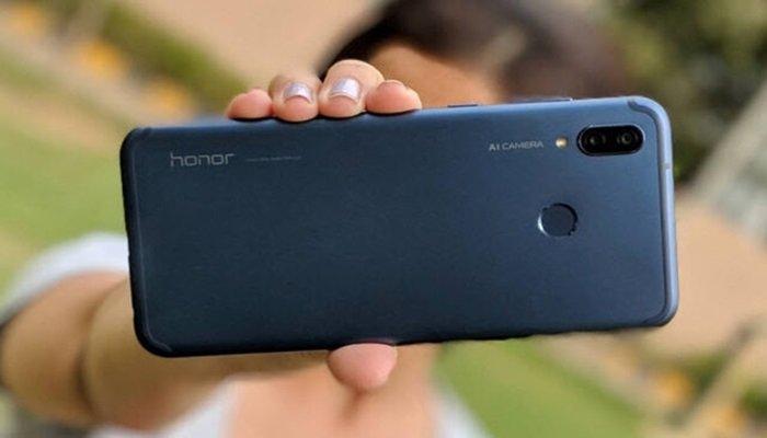Huawei alt markası Honor'u sattığını duyurdu!