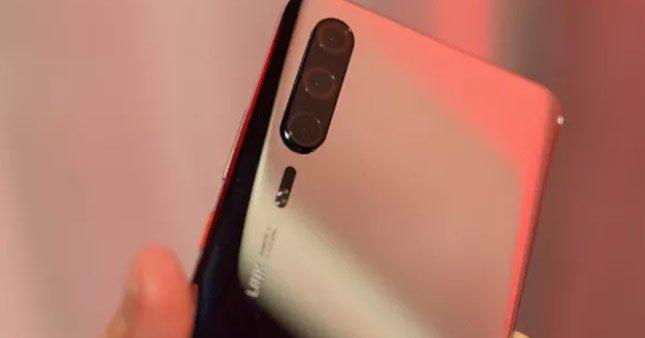 Huawei kızaklı telefon için patent aldı