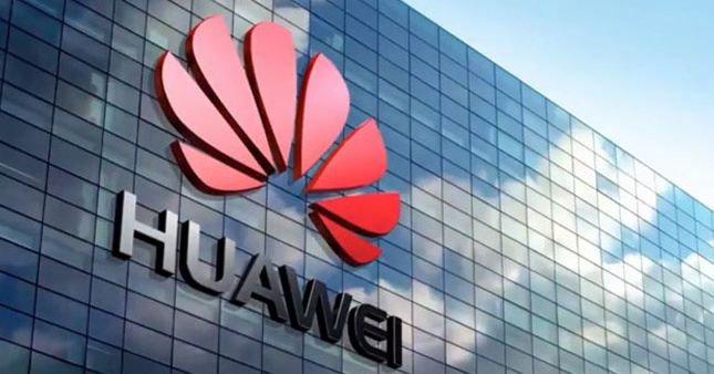 Huawei, Xiaomi rekabeti kızıştı