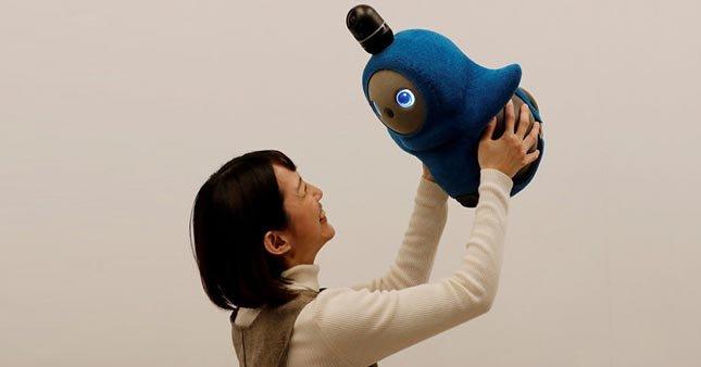 """Japonya'da yapay zekalı """"sevgi robotu"""" üretildi"""