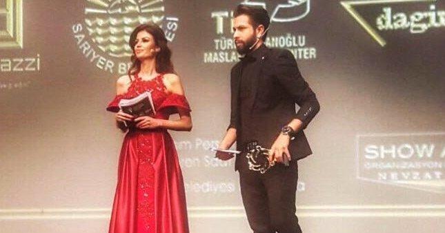 KKTC - Türkiye Ödül Töreni'nde sunucular göz doldurdu