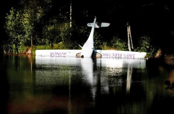 Norveç'in ilk elektrikli uçağı düştü