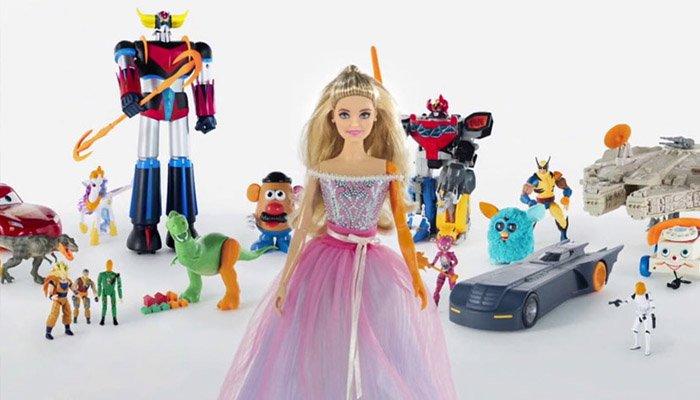 Plastik atıklara karşı oyuncak kurtarma operasyonu