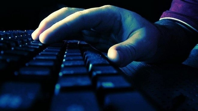 Polise internet abonelerinin kimliğine erişim yetkisi!