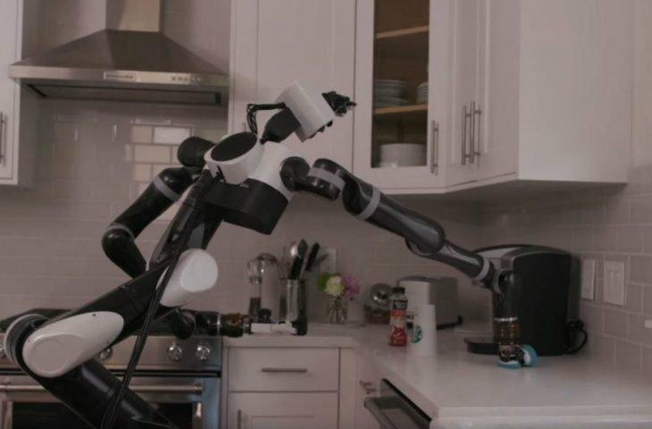Robot eğitimi için sanal gerçeklik kullanılacak