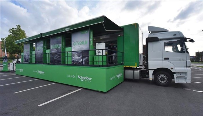 Schneider Electric'in Mobil İnovasyon Tırı iki ödül aldı